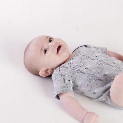 "Set tres bodys americanos ""tonos grises"" Little Foot. Ropa para bebés con estilo"