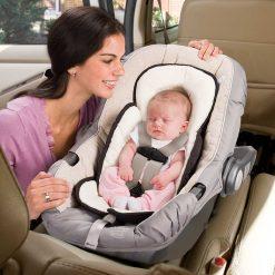 Inserto acolchado para sillas de auto o coches Snuzzler Summer Infant