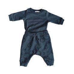 Set polera con coderas y pantalón estampado azul Little Foot