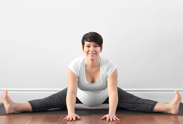 yoga embarazada Upavistha Konasana