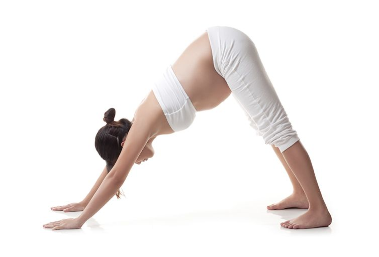 yoga embarazada Adho Mukha Svanasana